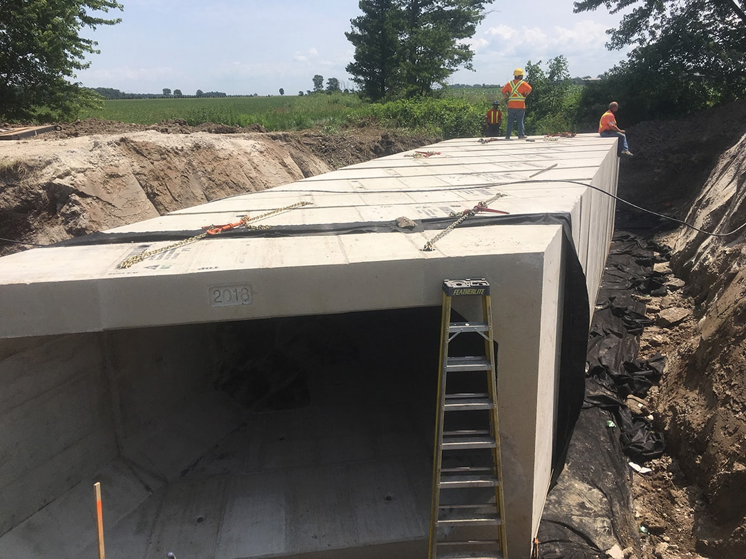 Precast concrete culvert