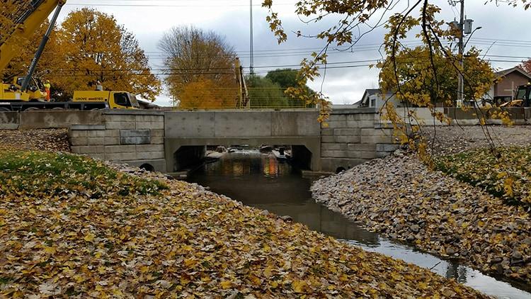 Culvert Bradley Creek Aylmer Coldstream Concrete heavy precast